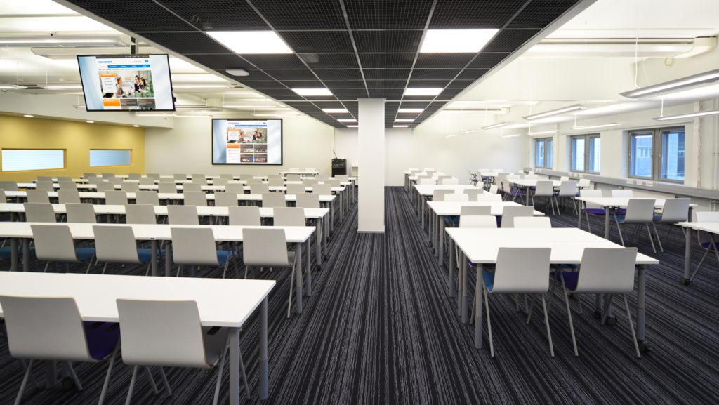 Suuri kokoustila / auditorio Kuopiossa nimeltä piko.